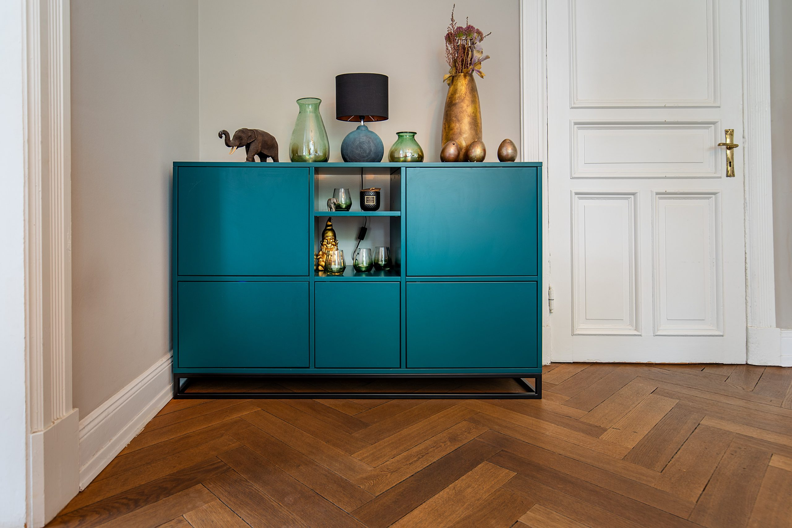 How to Choose the Perfect Sideboard for Your Home Office